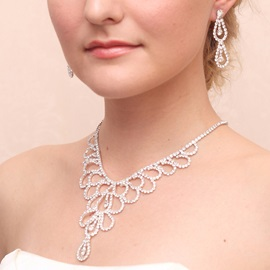 Chic Shiny Rhinestone Wedding Jewelry Set (Including Necklace and Earrings)