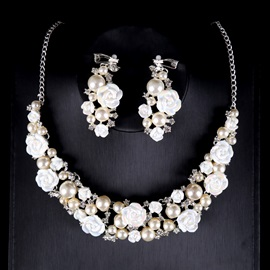 Two Zone Pearl Flower Romantic Wedding Jewelry Sets(Including Headpiece ,Necklace and Earrings)