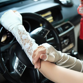 Modern Beaded Appliques Fingerless Wedding Gloves