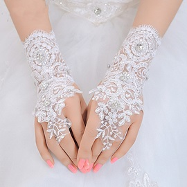 Nice Beaded Lace Floral Fingerless Wedding Gloves