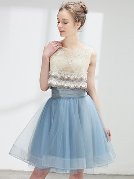 Exquisite Sleeveless A-Line Scoop Lace Knee-Length Homecoming Dress