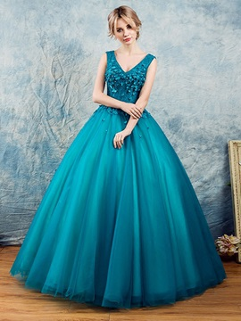 Flowers V-Neck Beading Lace Quinceanera Dress