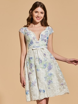 A-Line Appliques Lace V-Neck Bowknot Cocktail Dress