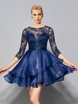 Exquisite Bateau A-Line 3/4 Length Button Lace Knee-Length Cocktail Dress