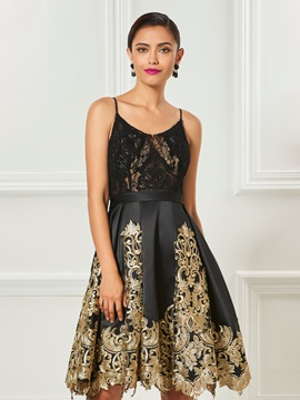 Elegant Spaghetti Straps Appliques Lace Knee-Length Cocktail Dress & cheap Cocktail Dresses