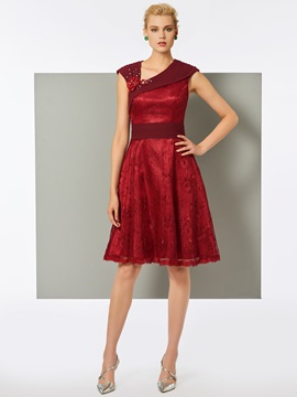 Stylish Lace Sheath V-Neck Knee-Length Cocktail Dress & fairy Cocktail Dresses