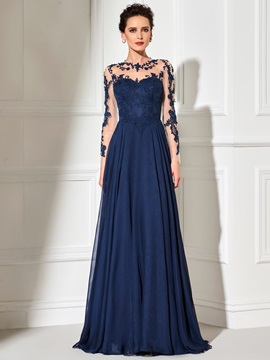 Long Sleeves Scoop Neck Appliques Evening Dress