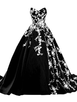 Embroidery Floor-Length Ball Gown Court Black Formal Dress