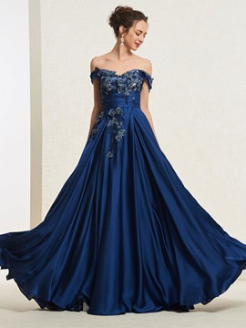 Floor-Length Off-The-Shoulder A-Line Appliques Prom Dress 2019