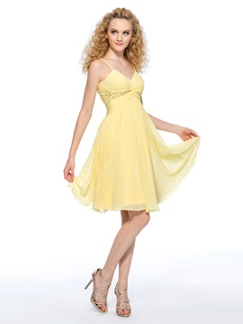Simple Style A-Line Spaghetti Straps Pleats Sequins Knee-Length Homecoming Dress & Homecoming Dresses under 100