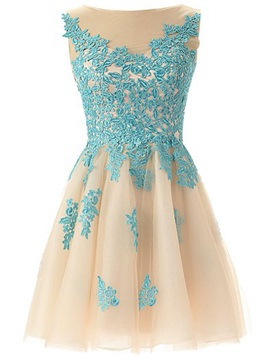 Pretty A-Line Lace Appliques Short Homecoming Dress