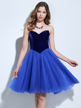 Simple Sweetheart A-Line Knee-Length Homecoming Dress