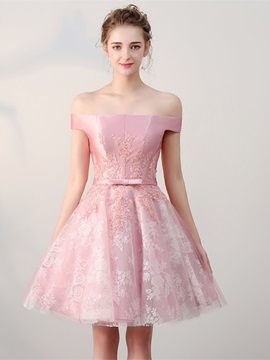 Sweet A-Line Bowknot Lace Off-the-Shoulder Appliques Sashes Mini Homecoming Dress