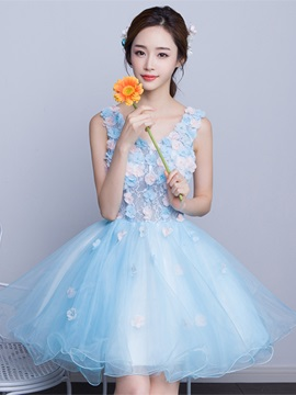 Sweet A-Line V-Neck Lace Pearls Short Homecoming Dress