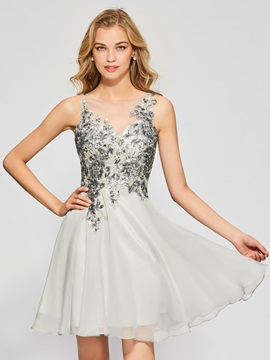 Fancy A-Line Button Appliques Scoop Short Homecoming Dress