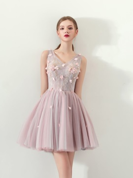 A-Line Appliques Flowers Lace Mini Homecoming Dress