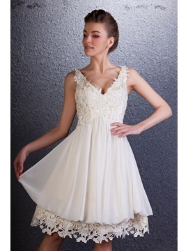 Dramatic V-Neck Sleeveless Lace A-Line Knee-Length Homecoming Dress & casual Homecoming Dresses