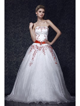 Superior Floor-Length Strapless Emboridery A-Line Dasha's Ball Gown/Quinceanera Dress