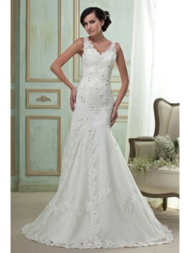 Gorgeous Mermaid/Trumpet V-Neck Appliques Beaded Chapel Wedding Dress