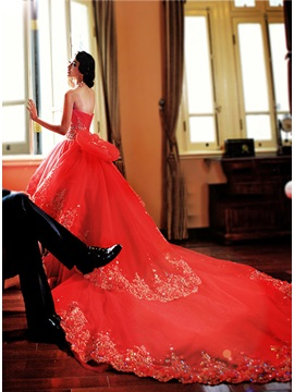 Luxury Strapless Beaded Sweetheart Red Lace Cathedral Wedding Dress