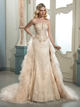 Charming Strapless Sleeveless Lace Beaded Court Wedding Dress