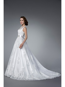 Elegant Beading&Sequins Chapel Train Zipper-up Jewel Neck Sleeveless Tulle Wedding Dress