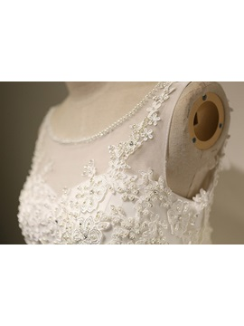 Beaded Scoop Neck Appliques A Line Wedding Dress