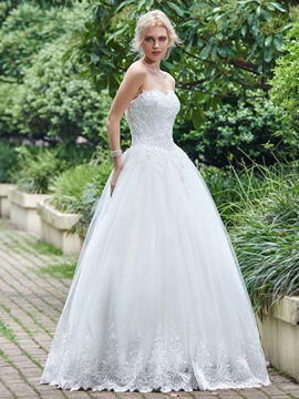 Exceptional Sweetheart Beaded Appliques Lace-Up Wedding Dress