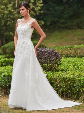 Straps Lace Appliques Beading Button Wedding Dress