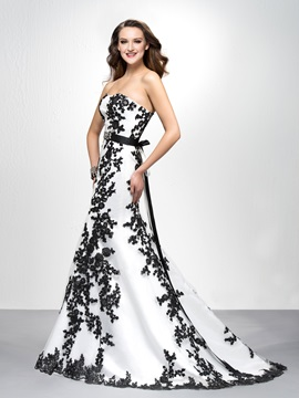 Brilliant A-Line Appliques Lace-up Court Train Long Evening Dress Designed