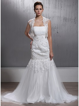 Graceful Short Sleeve Lace Wedding Jacket