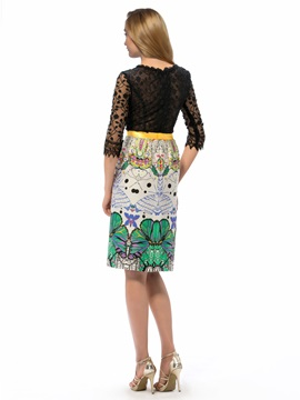 Eye-catching Column Jewel Neckline Half Sleeves Lace Pattern Knee-Length Party Dress