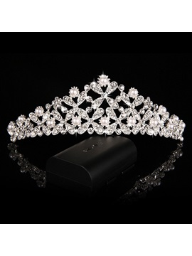 Delicate Pearls and Rhinestone Wedding Tiara with Comb
