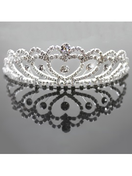 Gorgeous Heart Shaped Alloy with Cute Rhinestone Wedding Tiaras