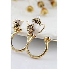 Dramatic Golden Flagon Double Fingers Zinc Alloy Ring
