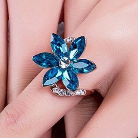 Splendid Flower Rhinestone Ring for Women