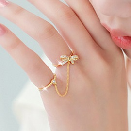 Wonderful Bowknot Rhinestones Women Ring