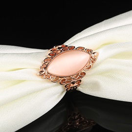 Graceful Curve Lewel Hollow Ring