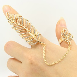 Hollow-Out Leaf Diamante Ring