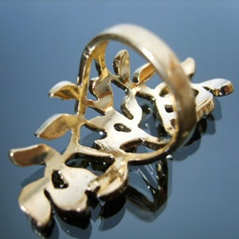 Vintage Style Golden Leaves Diamante Ring