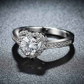Heart-Shaped Cut Zircon Wedding Ring