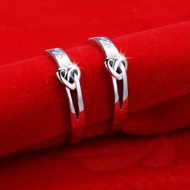 Opening Interlaced Heart Shape Platinum Plated Lovers' Rings