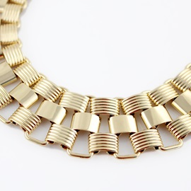 Fantastic Round Retro Golden Women's Necklace