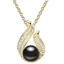 Water Drop Shaped Pearl Pendant Necklace