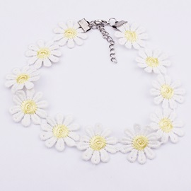 Vintage Style Daisy Lace Choker Necklace
