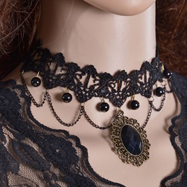 Black Gemstone Inlaid Lace Necklace