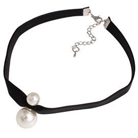 White Pearl Decorated Choker Necklace