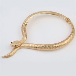 Retro Snake Shape Golden Alloy Exaggerated Choker Necklaces