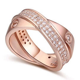 Delicate Crisscross Decorated Alloy Ring