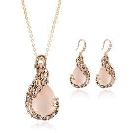 Hot Sale Rhinestones Banquet Women Jewelry Set ( Including Necklace and Earrings )